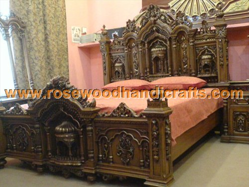 ANTIQUE CARVED BED IN BEDS - COMPARE PRICES, READ REVIEWS AND BUY. - ANTIQUE BED CARVED ANTIQUE CAR
