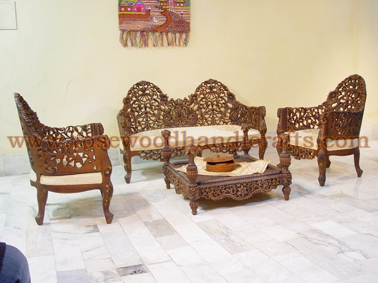 http://www.rosewoodhandicrafts.com/data/images/wooden%20furniture/antique-sofa-set/wooden-antique-sofa-set-14.jpg