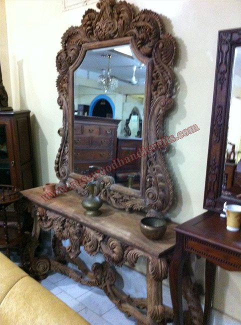 Wooden Full Carved Console With Mirror