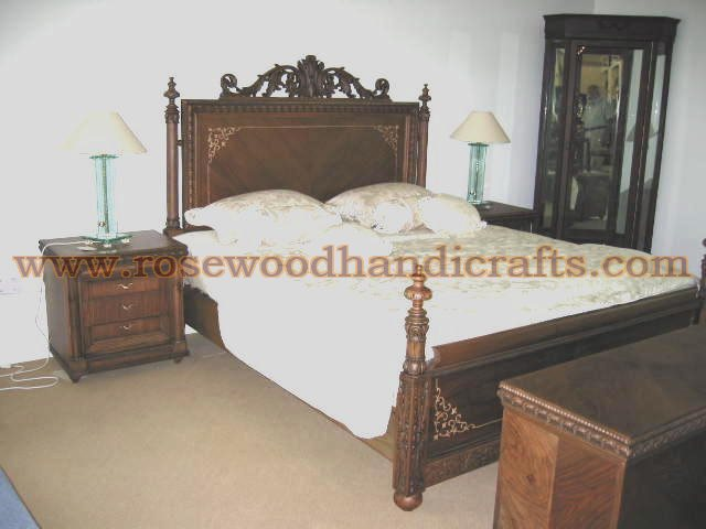 Wooden Poster Bed