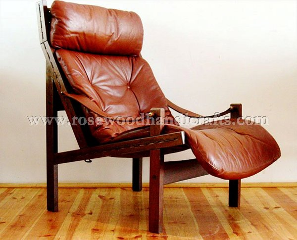 Etonnant Wing Chair With Original Leather