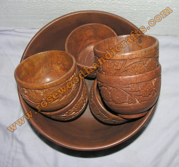 Wooden Carved Bowls Set
