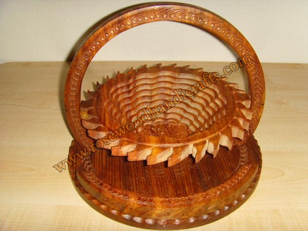 Wooden Sun Shape Single Compartment Spring Basket
