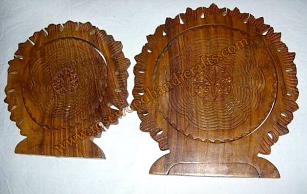 Wooden Sun Shape Cut Fruit Basket