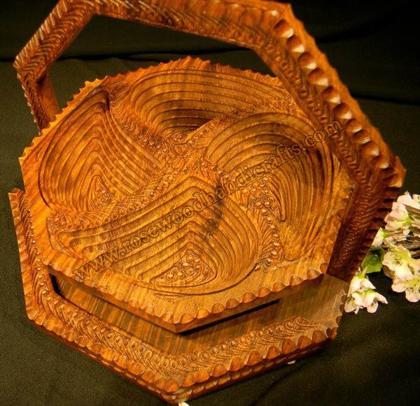 Wooden Octa Shape 4 Compartment Spring Basket