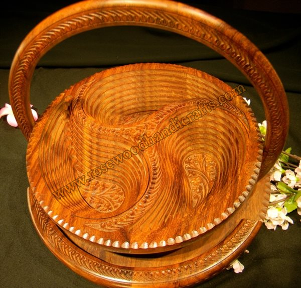 Wooden Round Shape 3 Compartments Spring Basket